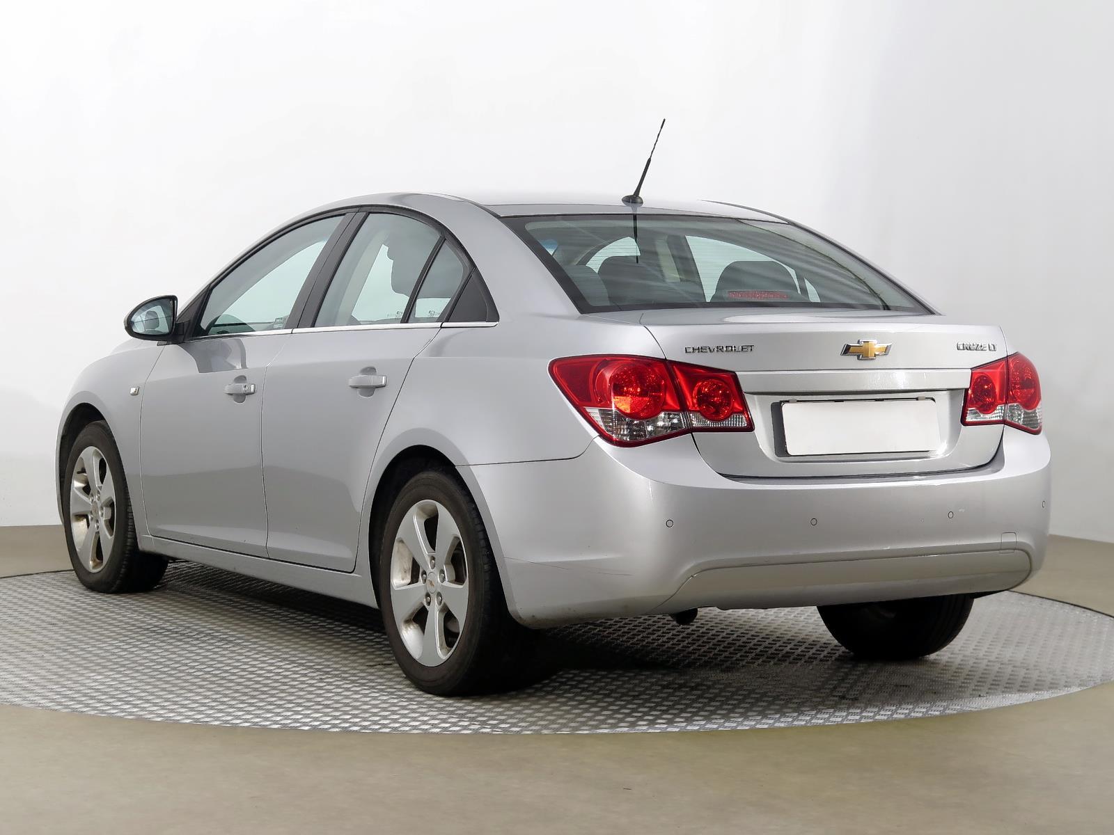 Gebrauchte Chevrolet Cruze 2010 2 0 Vcdi 102381km Abs 2010 Aaa Auto Export